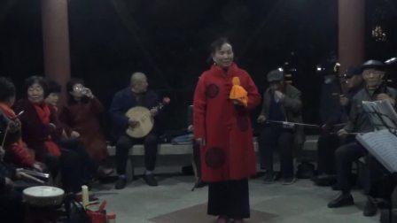 韦老师组团在东湖公园演出(2021年3月29日)