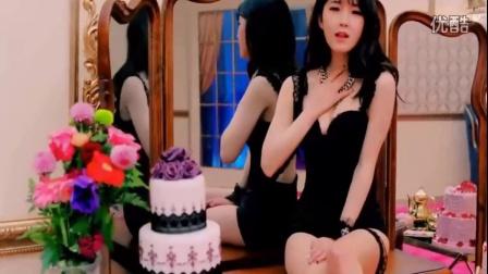 小铭搞笑第二期:美女的大胸是如何拍出来的
