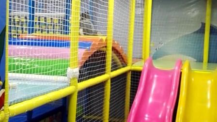 封闭滑梯 儿童游乐园 滑滑梯(宝宝1岁8个月)