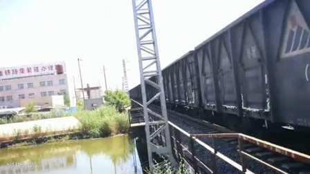 火车通过道口