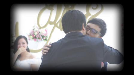 【新郎竟然在婚礼上亲吻另一个男人!】笑中有泪的走心婚礼,祺钧先生