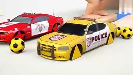 汽车玩具:每辆小警车的轮胎都不一样.avi