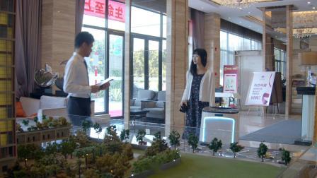 派宝物流配送机器人PadBot W1 售楼大厅迎宾送水