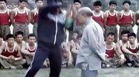 八十年代海登法师及弟子范应莲 指导侦察兵训练