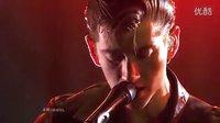 ▼ Arctic Monkeys - Do I Wanna Know (Live)