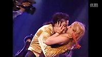 【崇敬的顺】有幸被MJ亲吻的女孩