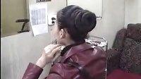 红衣长发女