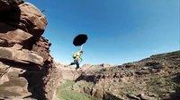 视频: GoPro:250英尺峡谷里的摆荡绳