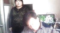 威海肉感胖妞学唱京剧选段【梨花颂】李嘉月唱【父女学拉学唱】