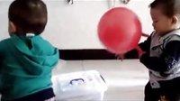 宝宝初看世界 拍皮球 听童谣《小皮球》儿歌《拍皮球》MV