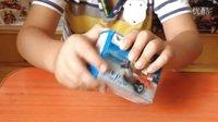 亲子游戏 拼装乐高玩具小飞机赢取健达奇趣蛋 大头儿子无奈的和玩具总动员告别 大战植物僵尸