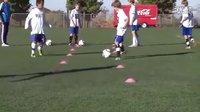 足球传球训练1 -来自 YouTube【天空蓝Ken】
