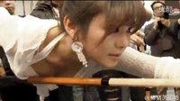 搞笑GIF视频 每日GIF视频 女神打台球观众就是多! 猪猪图槽70