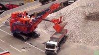 【极酷花园】RC遥控车『矿用大型电铲』(Bucyrus 495HF)采矿装载【RC世界系列】