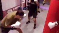 6.拳击体能高抬腿+组合拳打沙袋.北京拳击刘教练MARK BOXING8.11.2015二.顾强王震