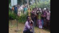 全村人都来看捕捉眼镜蛇 印度蛇文化