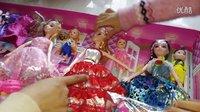 亲子过家家玩具 巴比娃娃套装大礼盒梦幻衣橱洋娃娃儿童女孩玩具换装公主婚纱衣服 开心时刻与玩具介绍2016 小猪佩奇与芭比娃娃的游乐场 芭比娃娃穿衣服拆箱神秘礼物