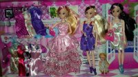 亲子过家家玩具06 巴比娃娃套装大礼盒梦幻衣橱洋娃娃儿童女孩玩具换装公主婚纱衣服 开心时刻与玩具介绍2016小猪佩奇芭比娃娃的游乐场 芭比娃娃穿衣服拆箱神秘礼物