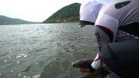 钓鱼视频《钩尖江湖》第五十二期 道中道(终) 小崔筏钓半拉川水库