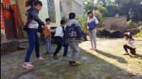 亲子互动 可爱的孩子们在玩过家家游戏 儿童乐园游乐场荡秋千溜滑梯玩具故事 厨房玩具切切乐 益智玩具汽车总动员海洋波波球滑梯太空舱 挖掘机视频表演 少儿舞蹈儿歌