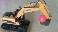 挖掘机视频表演★挖到红色球球★挖土机工程车玩具车 遥控版