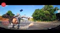交通事故合集中国国内20170618行车记录仪监控实拍下最新交通事故车祸瞬间现场视频集锦