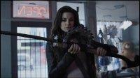 2015年上映的一部游戏改编的丧尸电影, 电影中各种组合武器五花八门打的僵尸不要不要的