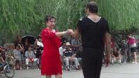 吉特巴-水兵舞 实拍 广场发烧友 精彩表演12之3贵州山歌云南对歌(舞帝男加女)