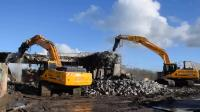 斗山挖掘机20吨和30吨液压钳和破碎锤一起上!