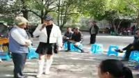 贵州搞笑山歌-老者睡觉不脱裤(认真搞笑)