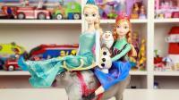 冰雪奇缘豪华冰雪公主与驯鹿玩具套装开箱 迪士尼公主玩具分享