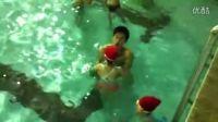 20120701学游泳第一天憋气换气、抱膝漂浮