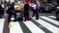 [拍客]美国纽约帝国大厦附近枪击案现场 2死多伤