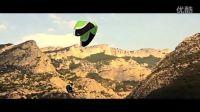 超强炫目花式滑翔伞!顶级操控!牛逼之人高空翱翔表演