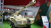 探秘中国军力2.0时代 中国越野车抗120mm大炮空降