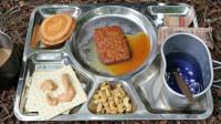 【野战口粮评测】野外食用美军18年17号餐-枫糖酱汁午餐肉