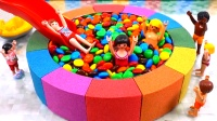 太空沙DIY:儿童益智启蒙,教孩子们用彩泥制作巧克力豆游泳池!