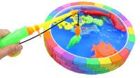 儿童垂钓太空沙彩虹池的海洋动物玩具 萌娃认识动物学习视频