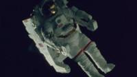 宇航员在太空行走