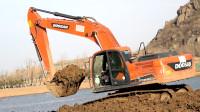 挖掘机挖土挖沙视频 工程车施工汽车工作表演视频