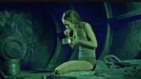 少女被关高压强封闭舱数年,牙齿掉落不成人形,几分钟看完北欧悬疑片《笼里的女人》