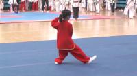小美女演练:24式简化太极拳