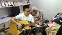 帅气的小哥哥,唱歌很好听,弹吉他姿势帅。