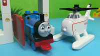 托马斯小火车和朋友哈罗德直升机积木玩具拼装