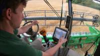 科技之大型机械农场作业