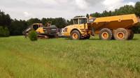 大型机械之开始新的一英亩池塘工作