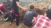 缅甸矿区挖石现场:如何从乱石堆里精确定位翡翠原石?