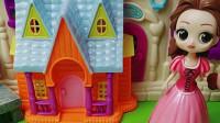 童话王国的白雪和贝儿做作业,贝儿公主的作业答案和白雪的一样,小朋友你们知道怎么回事吗?
