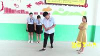 学霸王小九短剧:老师让学生砸水瓶作考试成绩,全班都是满分,没想学霸却考了0分