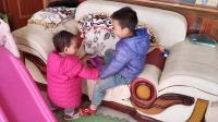 哥哥和妹妹打架 二胎时代 家有俩娃